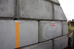 Interlocking Concrete Block Retaining Wall